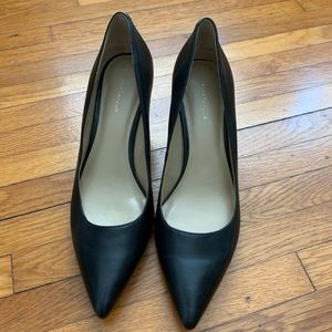 Ann Taylor Black Leather pumps size 7 1/2